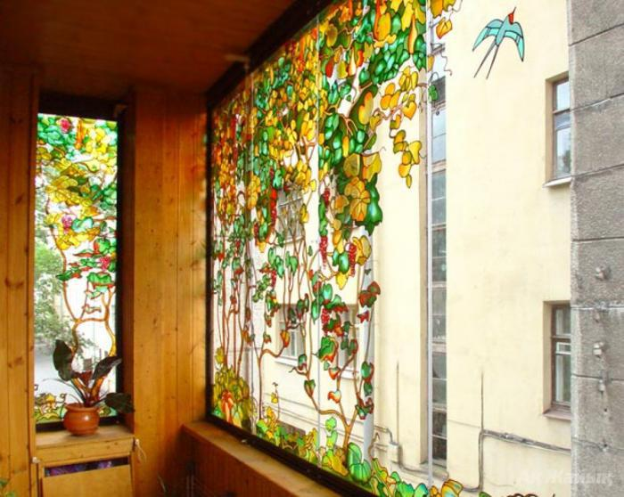 Витражное окно на лоджии..